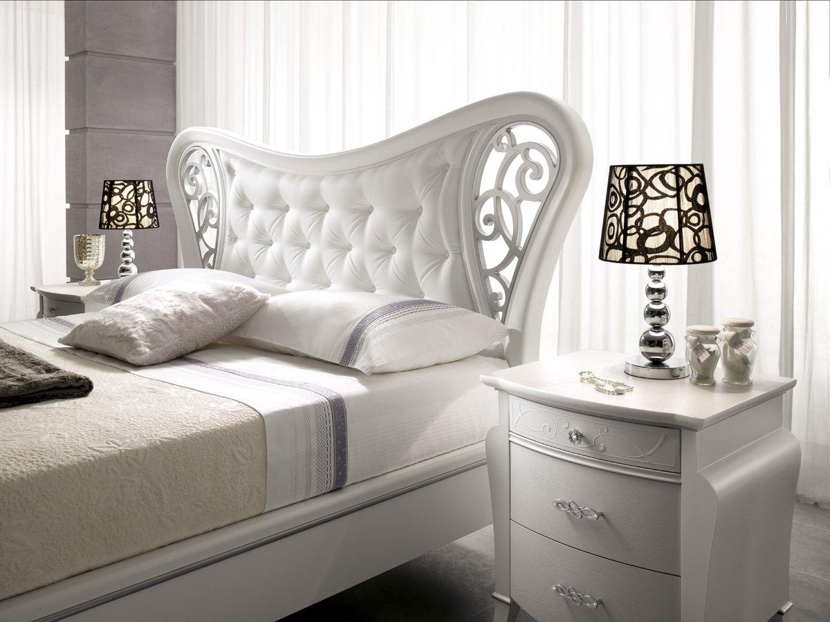 Classico contemporaneo arredamenti mantarro messina e for Lampadario camera da letto contemporanea
